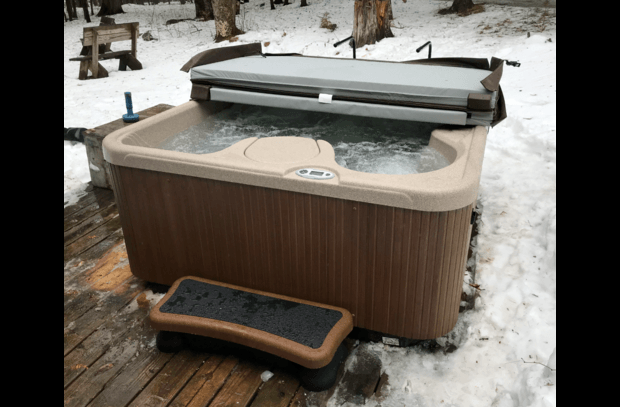 Hot Tub, new in Jan 2018!