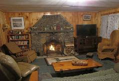 Deep Woods Cabin, hot tub, fireplace, sec luded